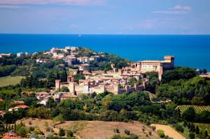 Idee per il I maggio? venite a visitare Gradara!!! La Rocca è aperta dalle 8,30 alle 18,30 con ingresso gratuito e si possono prenotare visite guidate al numero 0541 964115  e-mail: info@gradara.org