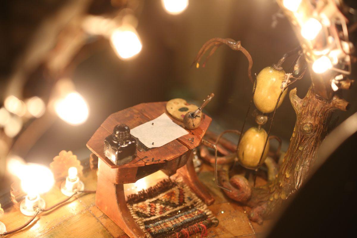 Scrivania in miniatura Gradara