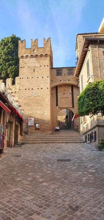Ingresso esterno Rocca di Gradara