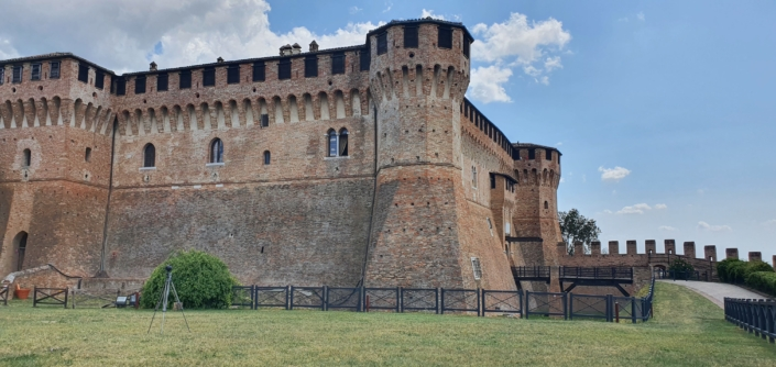 Castello di Gradara dalla Piazza d'armi